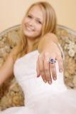 Novia joven feliz en su día de boda fotografía de archivo