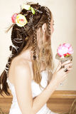 Novia joven hermosa en alineada de boda Fotos de archivo