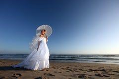 Novia joven hermosa en su día de boda foto de archivo libre de regalías