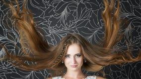 Novia profesional del peinado del maquillaje Imagenes de archivo