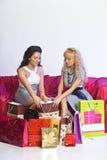 Novia que discute hacer compras Foto de archivo libre de regalías