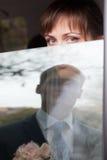 Novia que mira la ventana del canal Fotos de archivo libres de regalías