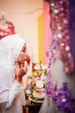 Novia que se prepara para casarse Imagen de archivo libre de regalías