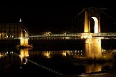Novia sobre el río en la ciudad de Lyon Fotos de archivo