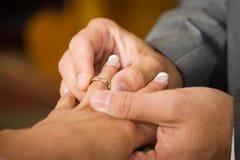 Novia y anillo de bodas Imágenes de archivo libres de regalías