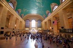 Novia y novio de Nueva York de la estación de Grand Central Imagenes de archivo