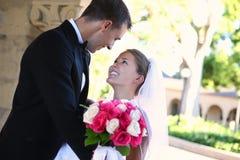 Novia y novio en la boda Fotografía de archivo