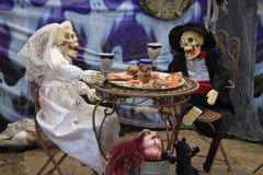 Novia y novio para Halloween Fotografía de archivo