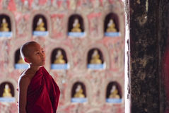Novice au monastère de Shwe Yan Phe Photographie stock