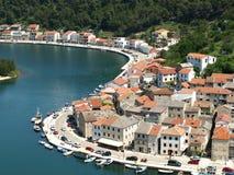 Novigrad Kroatien som är härlig, sjösida, stad, rich, historia arkivfoton