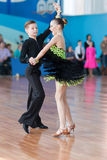 Novikov Yaroslav et programme latino-américain de Murza Alina Perform Juvenile-1 Photo stock