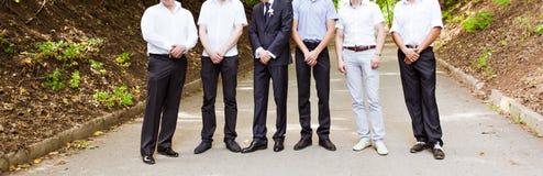 Novio With Best Man y padrinos de boda Fotos de archivo