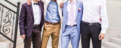 Novio With Best Man y padrinos de boda en la boda imagen de archivo