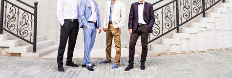 Novio With Best Man y padrinos de boda en la boda Fotos de archivo