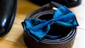 Novio determinado Accesorios del ` s de los hombres en azul Fotografía de archivo libre de regalías