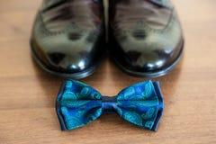Novio determinado Accesorios del ` s de los hombres en azul Fotografía de archivo