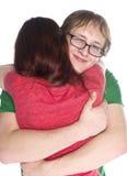 Novio feliz que abraza a su novia tan cercana Fotografía de archivo libre de regalías