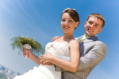 Novio y novia sonrientes del retrato foto de archivo