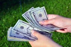 Novo cálculo do dinheiro Imagens de Stock