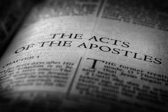 Novo testamento Christian Gospel Acts da Bíblia dos apóstolos fotografia de stock