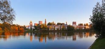 Novodevichiy女修道院全景在莫斯科俄国 库存图片