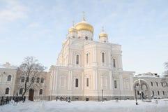 Novodevichy女修道院的老复活大教堂在圣彼德堡 免版税图库摄影