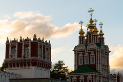 Novodevichy klostertorn Arkivfoton