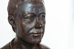 Novokuzneck, Россия - 01 07 2018: бронзовый бюст человека в музее Стоковая Фотография RF