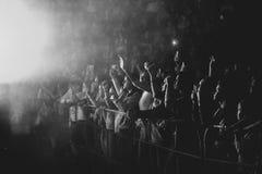 Novokuzneck, Rosja - 02 04 2018: ludzie przy koncertem Fotografia Stock