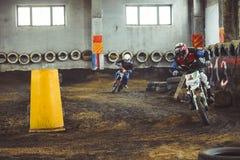 Novokuzneck, Rosja - 21 04 2018: motocross rywalizacje na śladzie Fotografia Royalty Free