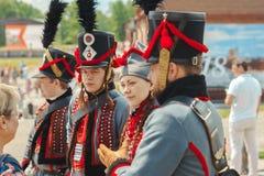 Novokuzneck Ryssland - 01 07 2018: soldat i gammal likformig Royaltyfria Bilder