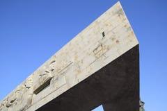 Novorossijsk, ammiraglio Serebryakova, Malaya Zemlya complesso commemorativo della st di Naberezhnaya Un monumento triangolare e  immagine stock