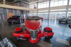 NOVOROSSIYSK, РОССИЯ - 19-ОЕ ИЮЛЯ 2009: Автомобиль Prowler Плимута на выставке в Novorossiysk, России стоковые изображения