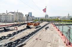 Novorossiysk Het dek van de kruiser Mikhail Kutuzov stock foto