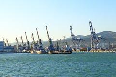 Novorossiysk podpalane i portowe budowy Obraz Royalty Free