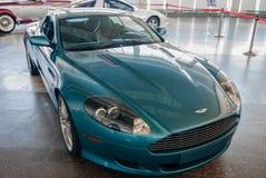 NOVOROSSIYSK, RUSIA - 19 DE JULIO DE 2009: Coche de Aston Martin DB9 en la exposición Foto de archivo