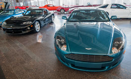 NOVOROSSIYSK, RUSLAND - JULI 19, 2009: De auto van Aston Martin DB9 bij de tentoonstelling Royalty-vrije Stock Foto's