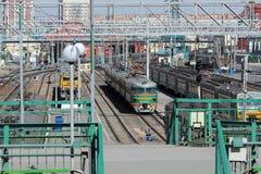 Novosibirsk. Alter Nahverkehrszug auf zentraler Station Lizenzfreie Stockbilder