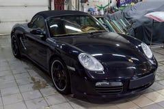 Novosibirsk, Rosja - 08 01 2018: Czarny Porsche Boxster S 2006 r zdjęcia stock