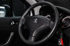 Novosibirsk Rosja, Styczeń, - 30, 2019: Peugeot 408 zdjęcie royalty free