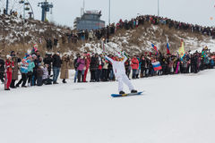 Novosibirsk, Rusia - 7 de diciembre, adultos y niños que aguardan t Fotos de archivo libres de regalías