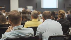 NOVOSIBIRSK RYSSLAND - 20 06 2017: Begrepp för utbildning för kontor för möte för konferens för seminarium för affärsfolk kvinnor arkivfilmer