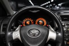 Novosibirsk Ryssland - Maj 31, 2019: Toyota Corolla fotografering för bildbyråer