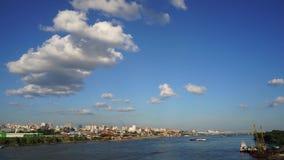 Novosibirsk, Siberia, Rusia - vista del río Obi almacen de video
