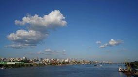 Novosibirsk, Siberia, Rusia - vista del río Obi Timelapse almacen de metraje de vídeo