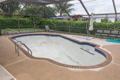 Nowa basen płytki granicy grout praca przemodelowywa Zdjęcie Stock