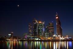 Nowa budowa w Moskwa przy nocą Zdjęcia Stock