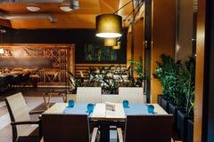 Nowa i czysta luksusowa restauracja w europejczyka stylu Obrazy Royalty Free