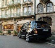 Nowa SUV Range Rover Land Rover moda luksusowy SUV w mieście Obrazy Royalty Free