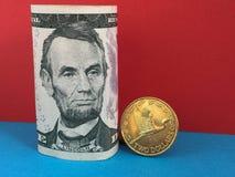 Nowa Zelandia dolar versus dolar amerykański Fotografia Royalty Free
